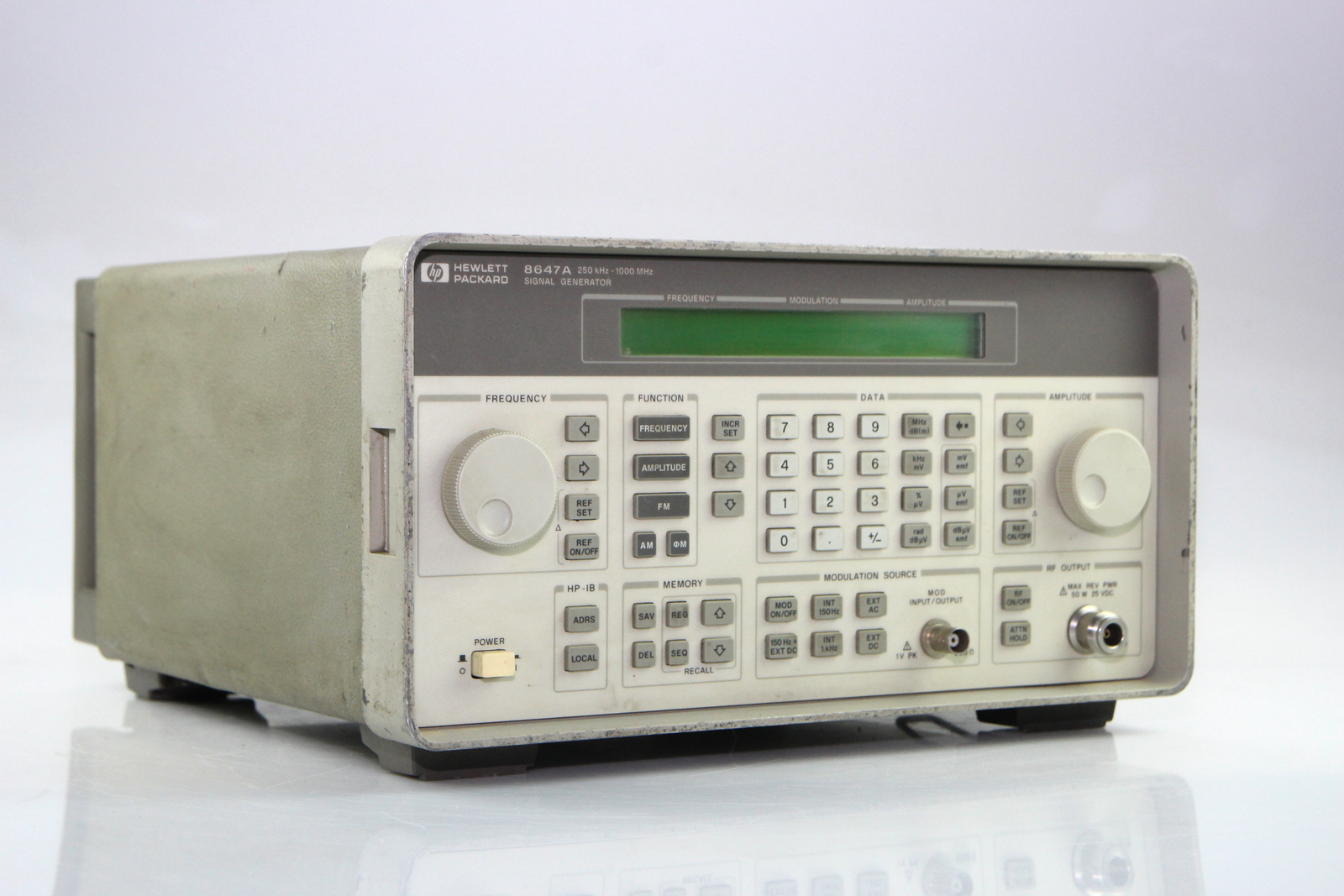 Surplus Electronic Test Equipment : Hp a synthesized signal generator khz mhz opt