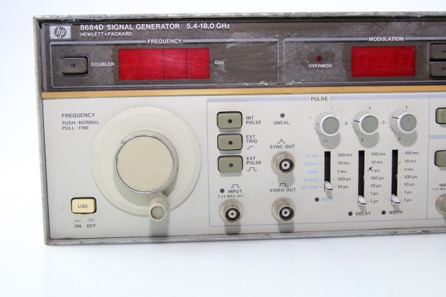 Hp Signal Generator : Hp d signal generator generators lab test