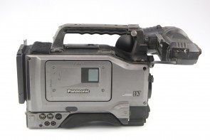 Panasonic AG-DVC200 (Body Only) Digital Video Camera Recorder