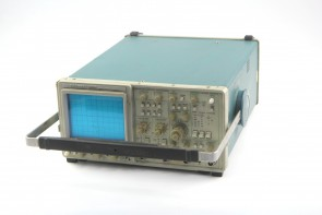 TEKTRONIX 2465 300MHz 4 Channel Oscilloscope