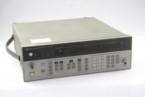 HP 8657A Signal Generator #8