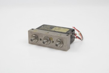 DYNATECH SWITCH RF COAXIAL D2-413A10 28 VDC