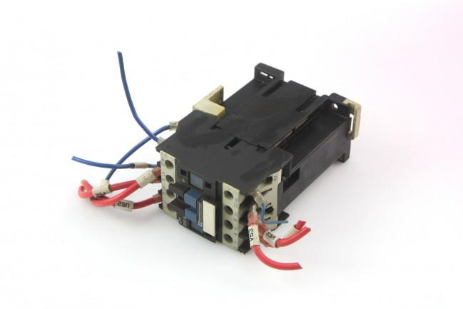 Telemecanique LP1 D12 01 Contactor Relay Motor Starter 24V Coil