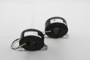 LOT OF 2 WICC D-100-00-L24-03 CURRENT TRANSFORMERS 100:5A