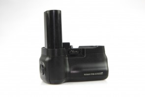 Nikon MB-E5000 Battery Pack/Grip for Coolpix 5000