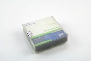 Lot of 10 Quantum DLTtape IV 40/80 GB  0.5 INCH DATA CARTRIDGE