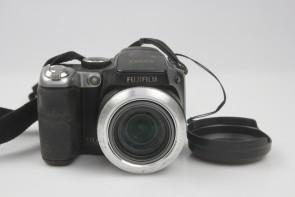 Fujifilm FinePix S Series S8100fd 10.0MP Digital Camera