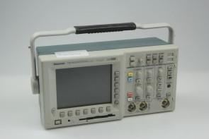 Tektronix TDS3032B 300 MHz Two Channel color Digital Phosphor Oscilloscope TDS 3032B