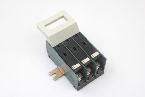 LEGRAND circuit breaker  S.38 3 POLE