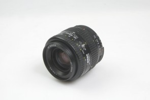 Nikon AF NIKKOR 35-70mm f/3.3-4.5 from Japan