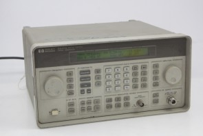 HP 8647A Synthesized Signal Generator 250 kHz-1000 MHz H03 #4