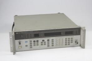 HP 8657A Signal Generator #9