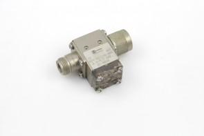 Harris 094-037146-005 3.4-4.2 GHz SMA Isolator