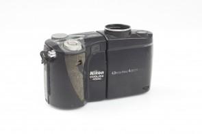 Nikon COOLPIX 4500 4.0MP Digital Camera - Black 4X zoom