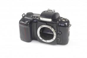 Nikon F-601 Quartz Date 35mm SLR Film Camera Body from JAPAN #3