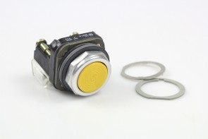Allen-Bradley Cat 800T-A...SER T YELLOW Push Button