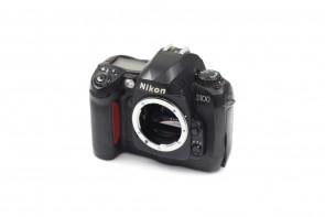 Nikon D100 6.1 MP DSLR CAMERA BODY #15