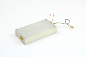 RF AMPLIFIER UNKNOW MODEL AND FREQ  #2