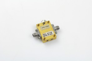 Rf microwave amplifier 2-20ghz 36db 3v for part or repair