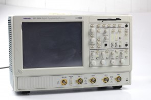 Tektronix TDS 5054 Digital Phosphor Oscilloscope TDS5054