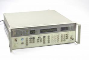 HP 8657A Signal Generator #35