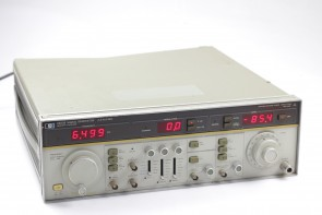 HP 8683B SIGNAL GENERATOR 2.3 GHz TO 6.5 GHz
